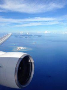 Aus dem Flugzeug bei Okinawa, Japan
